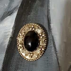 Jewelry - Beautiful Black Brooch Pin ⚫